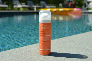 Avene Ultra-Light Hydrating Sunscreen Lotion Spray (body)