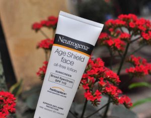Age Shield Face oil-free lotion Sunscreen Broad Spectrum SPF 110